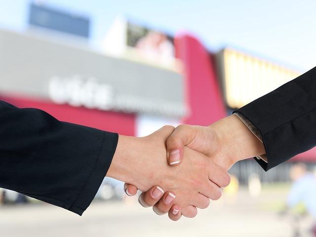 handshake-3298454_640