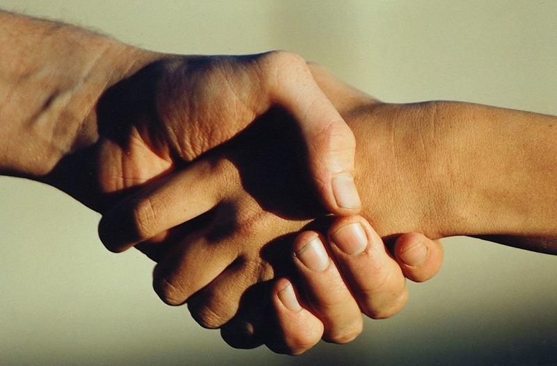 EMCC-hand-shake-1241578