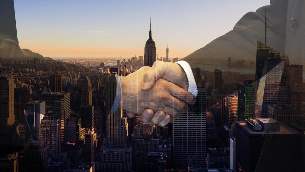 handshake-4011419_1280