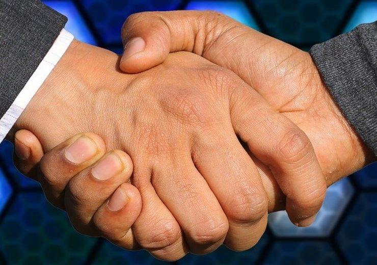 handshake-3655926_640