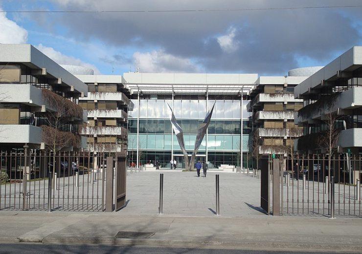 800px-AIB_Bank_Centre