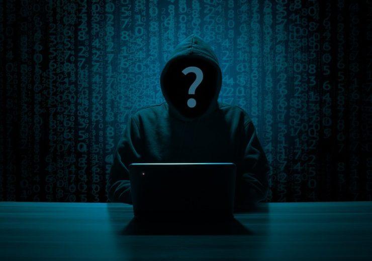hacker-3342696_640