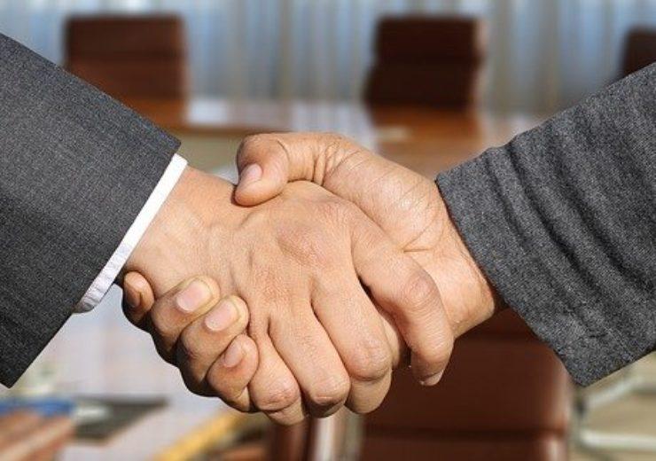 shaking-hands-3091906_640(7)