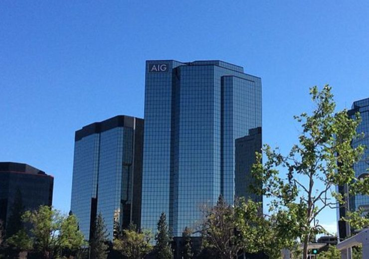 800px-Los_Angeles_Valley_Warner_Center_AIG_Towers-740x520