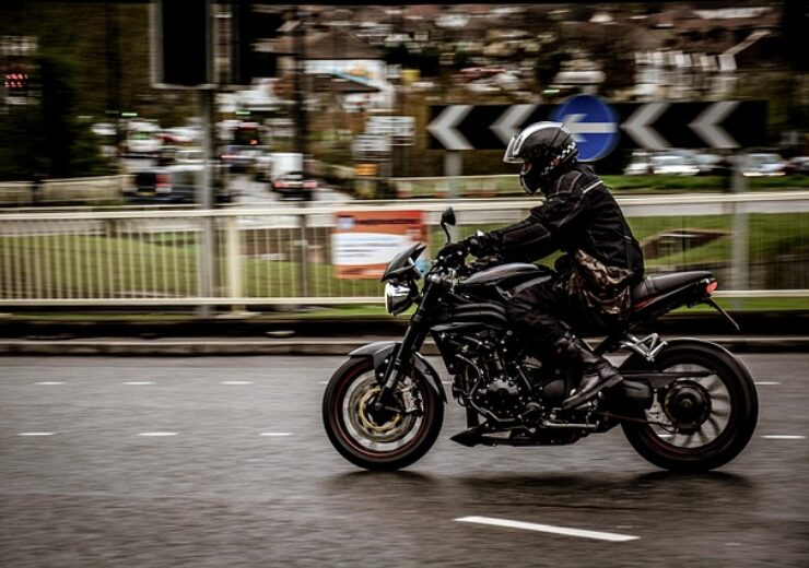 motorcycle-2268521_640