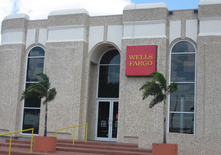 1024px-Wells_Fargo_in_Laredo,_TX_IMG_1054