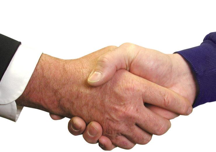 handshake-1239869-1918x825 (2)